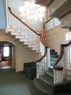 stairs, chandelier, flag, New-England style